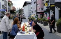 Strassenfrühstück in Telfs