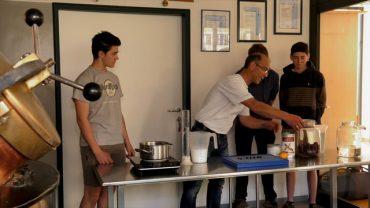Kochen – Kornelkirsch-Likör (LLA Imst)