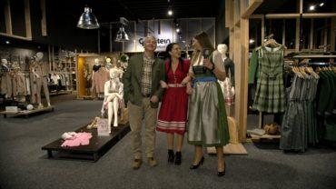 Evi und Walter im Gottstein Alpine Fashion Store