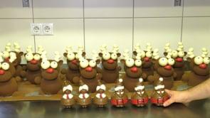 Weihnachtsfiguren aus Vollmilchschokolade – Konditorei Regensburger